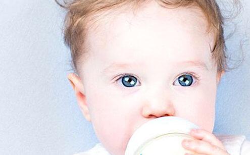 Süt alerjisinin risk faktörleri nelerdir?